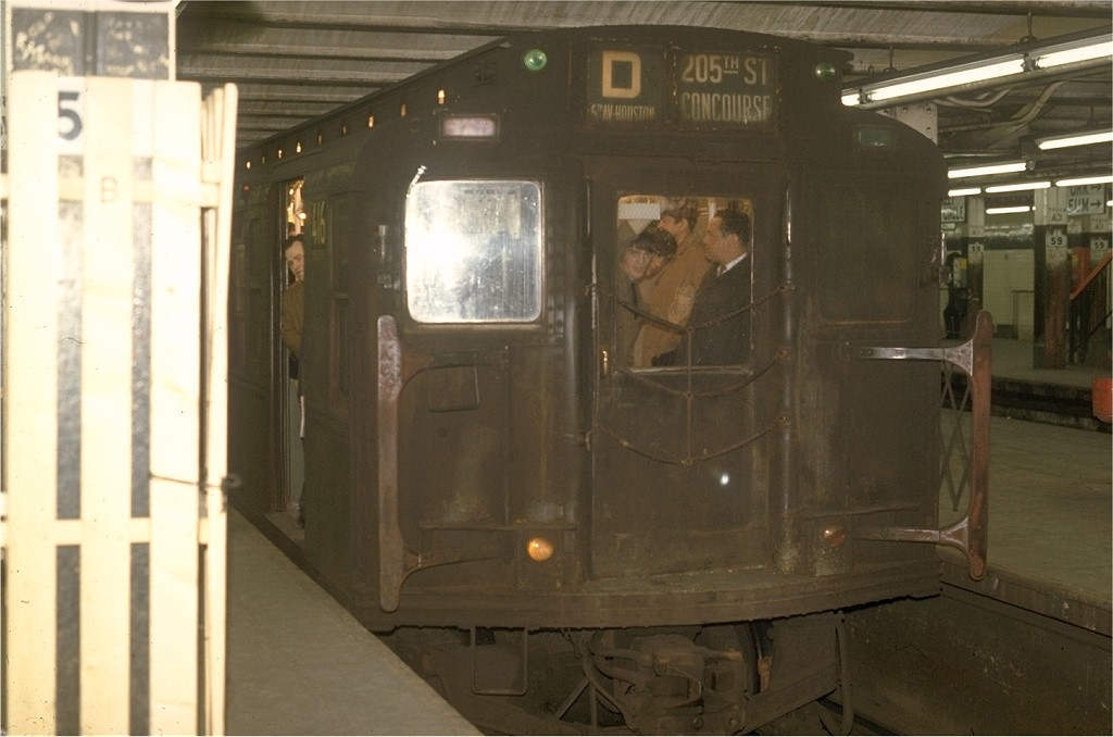 (140k, 1024x678)<br><b>Country:</b> United States<br><b>City:</b> New York<br><b>System:</b> New York City Transit<br><b>Line:</b> IND 8th Avenue Line<br><b>Location:</b> 59th Street/Columbus Circle <br><b>Route:</b> D<br><b>Car:</b> R-4 (American Car & Foundry, 1932-1933) 416 <br><b>Photo by:</b> Joe Testagrose<br><b>Date:</b> 5/6/1970<br><b>Viewed (this week/total):</b> 0 / 3956