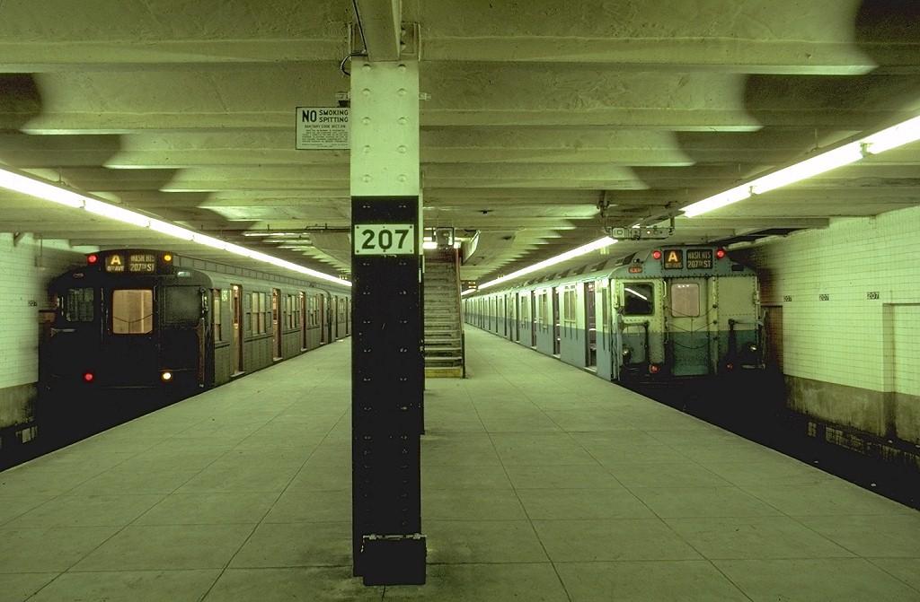 (173k, 1024x671)<br><b>Country:</b> United States<br><b>City:</b> New York<br><b>System:</b> New York City Transit<br><b>Line:</b> IND 8th Avenue Line<br><b>Location:</b> 207th Street <br><b>Route:</b> Fan Trip<br><b>Car:</b> R-4 (American Car & Foundry, 1932-1933) 484 <br><b>Photo by:</b> Joe Testagrose<br><b>Date:</b> 10/18/1969<br><b>Notes:</b> With R10 3076<br><b>Viewed (this week/total):</b> 2 / 4951