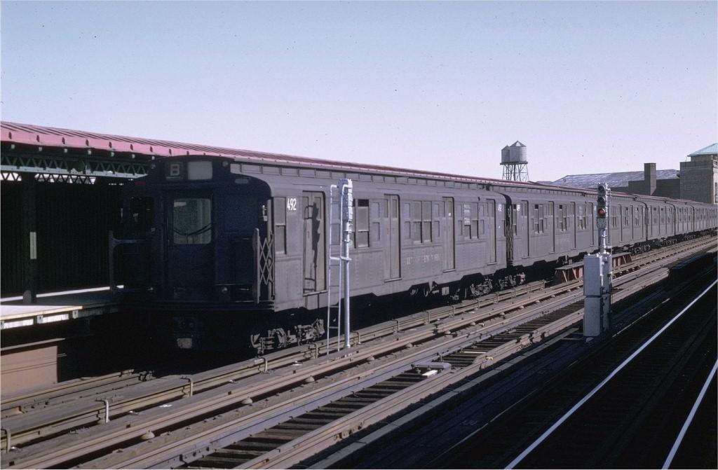 (178k, 1024x671)<br><b>Country:</b> United States<br><b>City:</b> New York<br><b>System:</b> New York City Transit<br><b>Line:</b> BMT West End Line<br><b>Location:</b> Fort Hamilton Parkway <br><b>Route:</b> B<br><b>Car:</b> R-4 (American Car & Foundry, 1932-1933) 492 <br><b>Photo by:</b> Joe Testagrose<br><b>Date:</b> 8/21/1969<br><b>Viewed (this week/total):</b> 7 / 5745