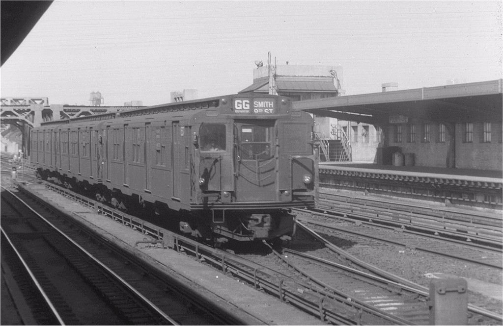 (161k, 1024x665)<br><b>Country:</b> United States<br><b>City:</b> New York<br><b>System:</b> New York City Transit<br><b>Line:</b> IND Crosstown Line<br><b>Location:</b> 4th Avenue <br><b>Route:</b> GG<br><b>Car:</b> R-4 (American Car & Foundry, 1932-1933) 537 <br><b>Collection of:</b> Joe Testagrose<br><b>Viewed (this week/total):</b> 3 / 4931