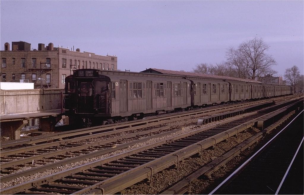 (211k, 1024x656)<br><b>Country:</b> United States<br><b>City:</b> New York<br><b>System:</b> New York City Transit<br><b>Line:</b> BMT Brighton Line<br><b>Location:</b> Avenue M <br><b>Route:</b> D<br><b>Car:</b> R-4 (American Car & Foundry, 1932-1933) 626 <br><b>Photo by:</b> Joe Testagrose<br><b>Date:</b> 4/19/1970<br><b>Viewed (this week/total):</b> 2 / 3535