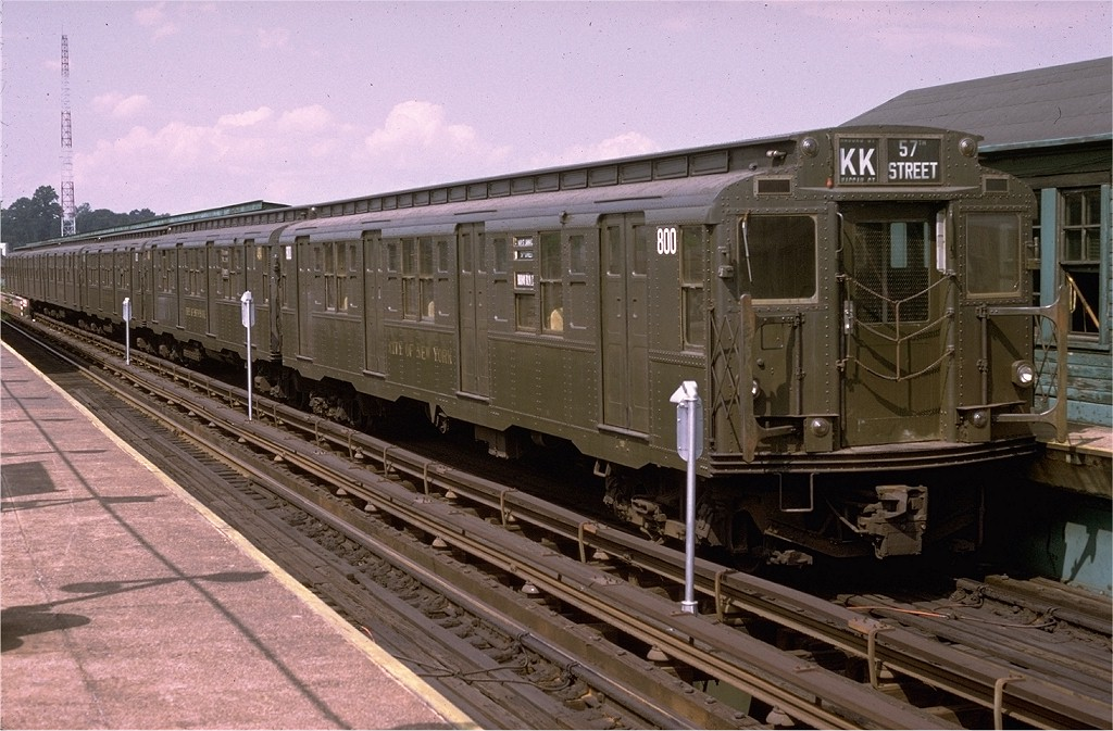 (208k, 1024x673)<br><b>Country:</b> United States<br><b>City:</b> New York<br><b>System:</b> New York City Transit<br><b>Line:</b> BMT Canarsie Line<br><b>Location:</b> Atlantic Avenue <br><b>Route:</b> Fan Trip<br><b>Car:</b> R-4 (American Car & Foundry, 1932-1933) 800 <br><b>Photo by:</b> Doug Grotjahn<br><b>Collection of:</b> Joe Testagrose<br><b>Date:</b> 7/29/1972<br><b>Viewed (this week/total):</b> 2 / 4066
