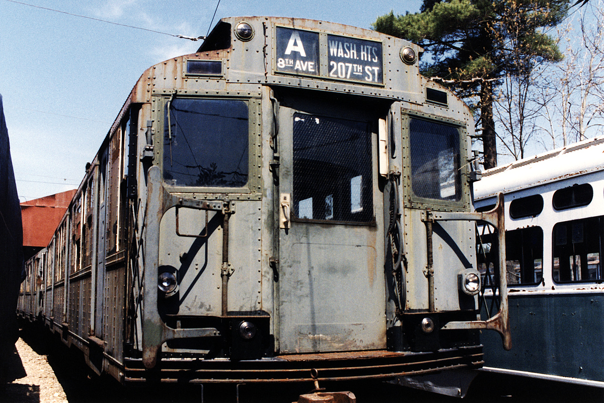 (665k, 1200x800)<br><b>Country:</b> United States<br><b>City:</b> Kennebunk, ME<br><b>System:</b> Seashore Trolley Museum<br><b>Car:</b> R-4 (American Car & Foundry, 1932-1933) 800 <br><b>Photo by:</b> Todd Glickman<br><b>Date:</b> 1998<br><b>Viewed (this week/total):</b> 0 / 7366