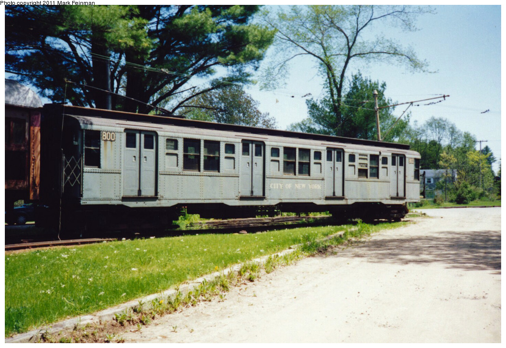 (391k, 1044x717)<br><b>Country:</b> United States<br><b>City:</b> Kennebunk, ME<br><b>System:</b> Seashore Trolley Museum <br><b>Car:</b> R-4 (American Car & Foundry, 1932-1933) 800 <br><b>Photo by:</b> Mark S. Feinman<br><b>Date:</b> 9/5/1994<br><b>Viewed (this week/total):</b> 1 / 4328