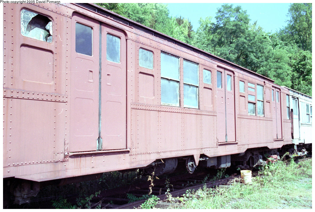 (253k, 1044x704)<br><b>Country:</b> United States<br><b>City:</b> Kingston, NY<br><b>System:</b> Trolley Museum of New York <br><b>Car:</b> R-4 (American Car & Foundry, 1932-1933) 825 <br><b>Photo by:</b> David Pirmann<br><b>Date:</b> 9/14/1996<br><b>Viewed (this week/total):</b> 6 / 5845