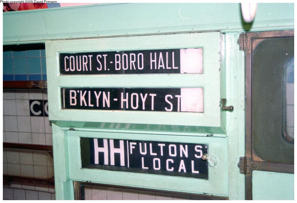 (190k, 1044x713)<br><b>Country:</b> United States<br><b>City:</b> New York<br><b>System:</b> New York City Transit<br><b>Location:</b> New York Transit Museum<br><b>Car:</b> R-4 (American Car & Foundry, 1932-1933) 484 <br><b>Photo by:</b> David Pirmann<br><b>Date:</b> 10/1/1995<br><b>Notes:</b> Roll sign<br><b>Viewed (this week/total):</b> 4 / 5274