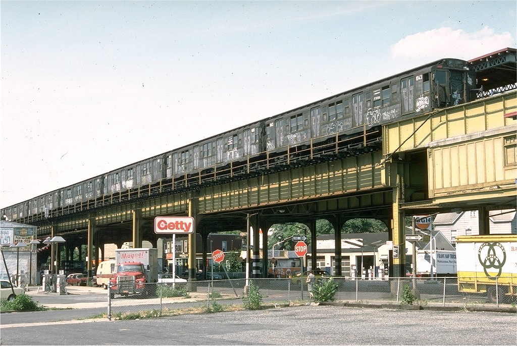 (260k, 1024x686)<br><b>Country:</b> United States<br><b>City:</b> New York<br><b>System:</b> New York City Transit<br><b>Line:</b> BMT Culver Line<br><b>Location:</b> 18th Avenue <br><b>Route:</b> F<br><b>Car:</b> R-6-3 (American Car & Foundry, 1935)  1043 <br><b>Photo by:</b> Doug Grotjahn<br><b>Collection of:</b> David Pirmann<br><b>Date:</b> 7/10/1976<br><b>Viewed (this week/total):</b> 7 / 7022