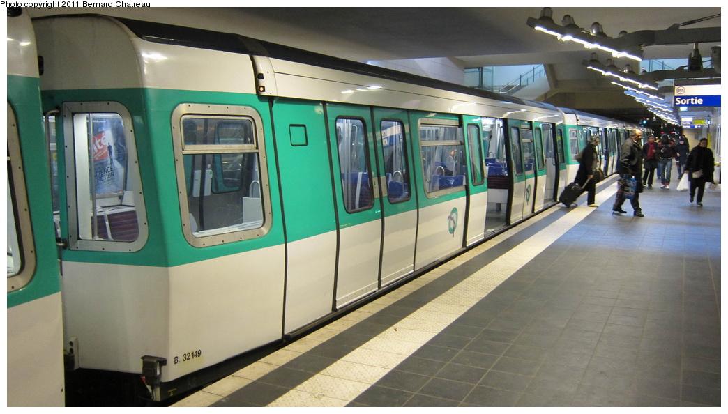 (243k, 1044x594)<br><b>Country:</b> France<br><b>City:</b> Paris<br><b>System:</b> RATP (Régie Autonome des Transports Parisiens)<br><b>Line:</b> Metro Ligne 13<br><b>Location:</b> Les Courtilles--Asnières-Gennevilliers <br><b>Car:</b> MF77 32149 <br><b>Photo by:</b> Bernard Chatreau<br><b>Date:</b> 1/11/2011<br><b>Viewed (this week/total):</b> 0 / 382