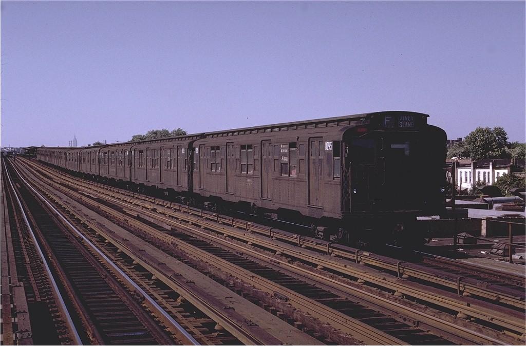(191k, 1024x674)<br><b>Country:</b> United States<br><b>City:</b> New York<br><b>System:</b> New York City Transit<br><b>Line:</b> BMT Culver Line<br><b>Location:</b> Bay Parkway (22nd Avenue) <br><b>Route:</b> F<br><b>Car:</b> R-6-3 (American Car & Foundry, 1935)  1095 <br><b>Photo by:</b> Joe Testagrose<br><b>Date:</b> 6/28/1970<br><b>Viewed (this week/total):</b> 1 / 3287