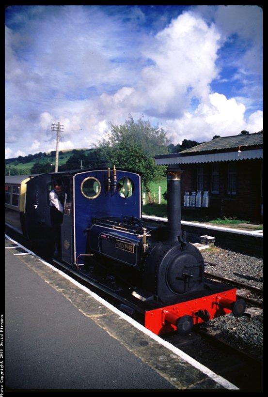 (87k, 553x820)<br><b>Country:</b> United Kingdom<br><b>System:</b> Bala Lake Railway <br><b>Photo by:</b> David Pirmann<br><b>Date:</b> 9/5/2000<br><b>Viewed (this week/total):</b> 3 / 1818