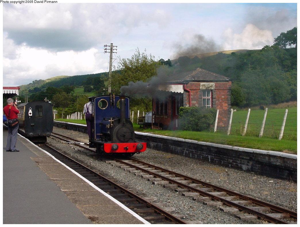 (183k, 1044x788)<br><b>Country:</b> United Kingdom<br><b>System:</b> Bala Lake Railway <br><b>Photo by:</b> David Pirmann<br><b>Date:</b> 9/5/2000<br><b>Viewed (this week/total):</b> 2 / 2351