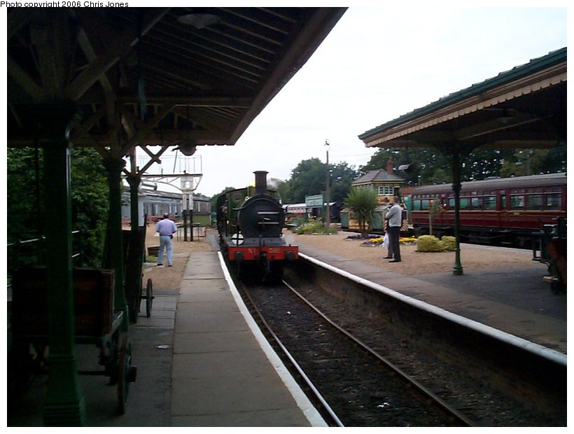 (112k, 820x620)<br><b>Country:</b> United Kingdom<br><b>System:</b> Bluebell Railway <br><b>Photo by:</b> Chris Jones<br><b>Date:</b> 7/12/2000<br><b>Viewed (this week/total):</b> 3 / 1972
