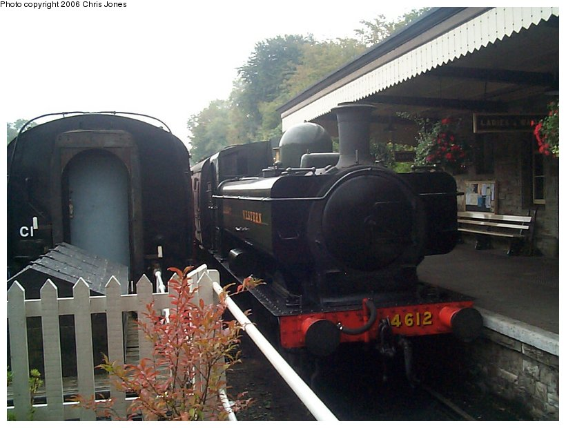 (115k, 820x620)<br><b>Country:</b> United Kingdom<br><b>System:</b> Bodmin & Wenford Railway <br><b>Photo by:</b> Chris Jones<br><b>Date:</b> 10/1/2002<br><b>Viewed (this week/total):</b> 4 / 1545