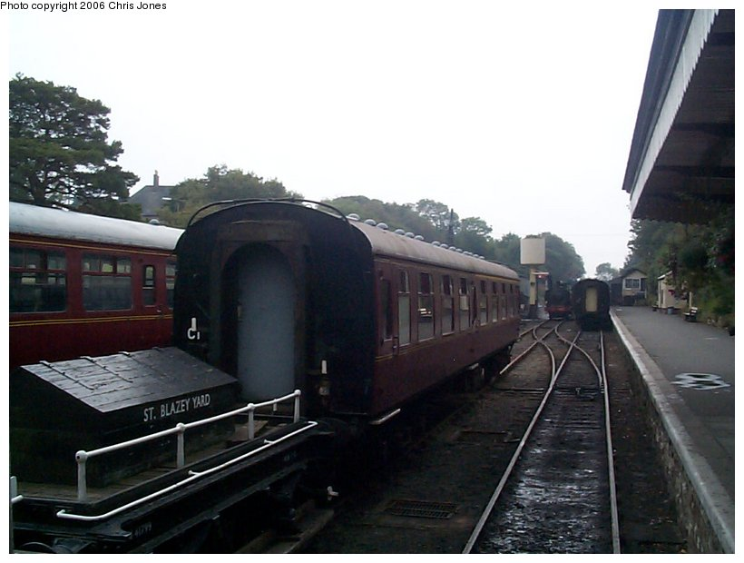 (102k, 820x620)<br><b>Country:</b> United Kingdom<br><b>System:</b> Bodmin & Wenford Railway <br><b>Photo by:</b> Chris Jones<br><b>Date:</b> 10/1/2002<br><b>Viewed (this week/total):</b> 4 / 1703