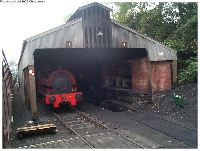 (129k, 820x620)<br><b>Country:</b> United Kingdom<br><b>System:</b> Bodmin & Wenford Railway <br><b>Photo by:</b> Chris Jones<br><b>Date:</b> 10/1/2002<br><b>Viewed (this week/total):</b> 0 / 1677