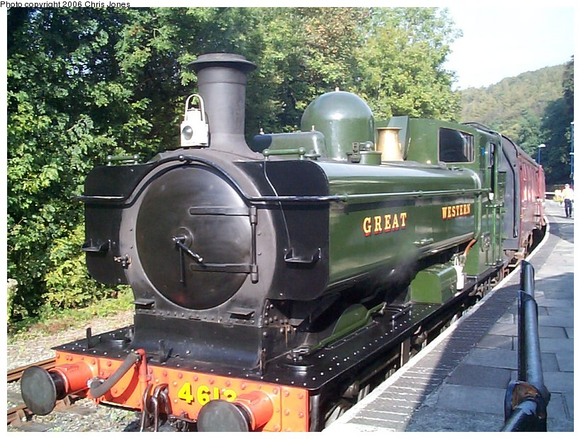 (171k, 820x620)<br><b>Country:</b> United Kingdom<br><b>System:</b> Bodmin & Wenford Railway <br><b>Photo by:</b> Chris Jones<br><b>Date:</b> 10/1/2002<br><b>Viewed (this week/total):</b> 0 / 1737