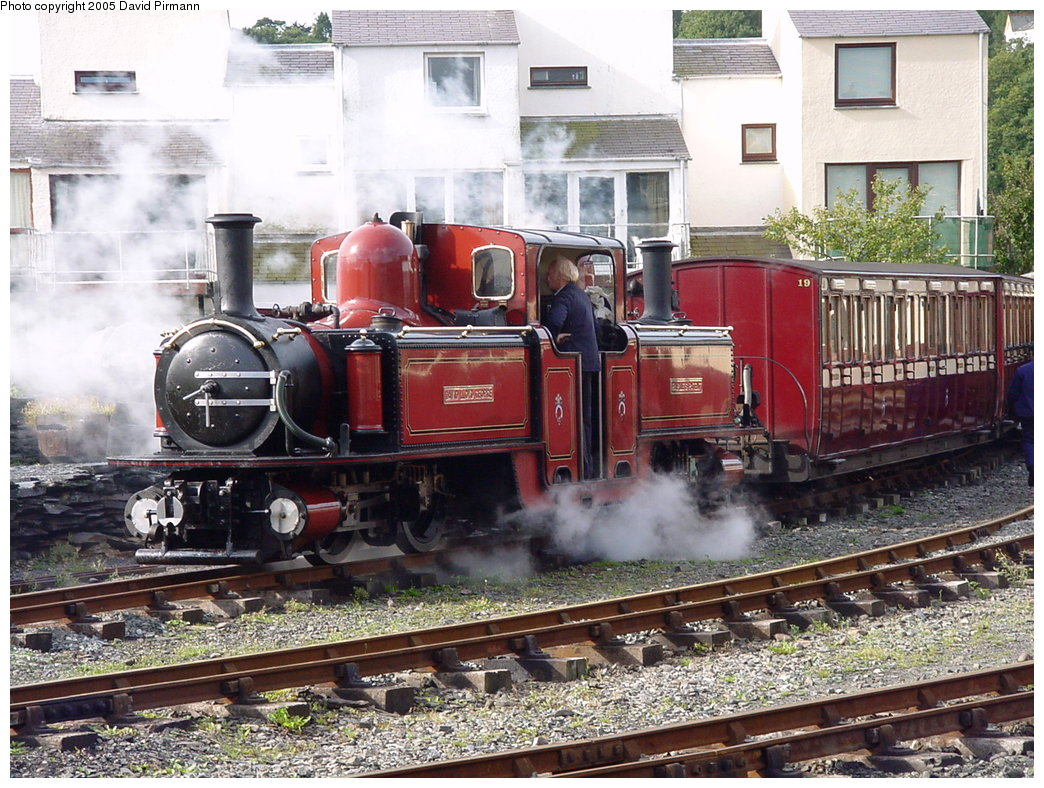 (242k, 1044x788)<br><b>Country:</b> United Kingdom<br><b>System:</b> Ffestiniog Railway <br><b>Photo by:</b> David Pirmann<br><b>Date:</b> 9/6/2000<br><b>Viewed (this week/total):</b> 1 / 1934