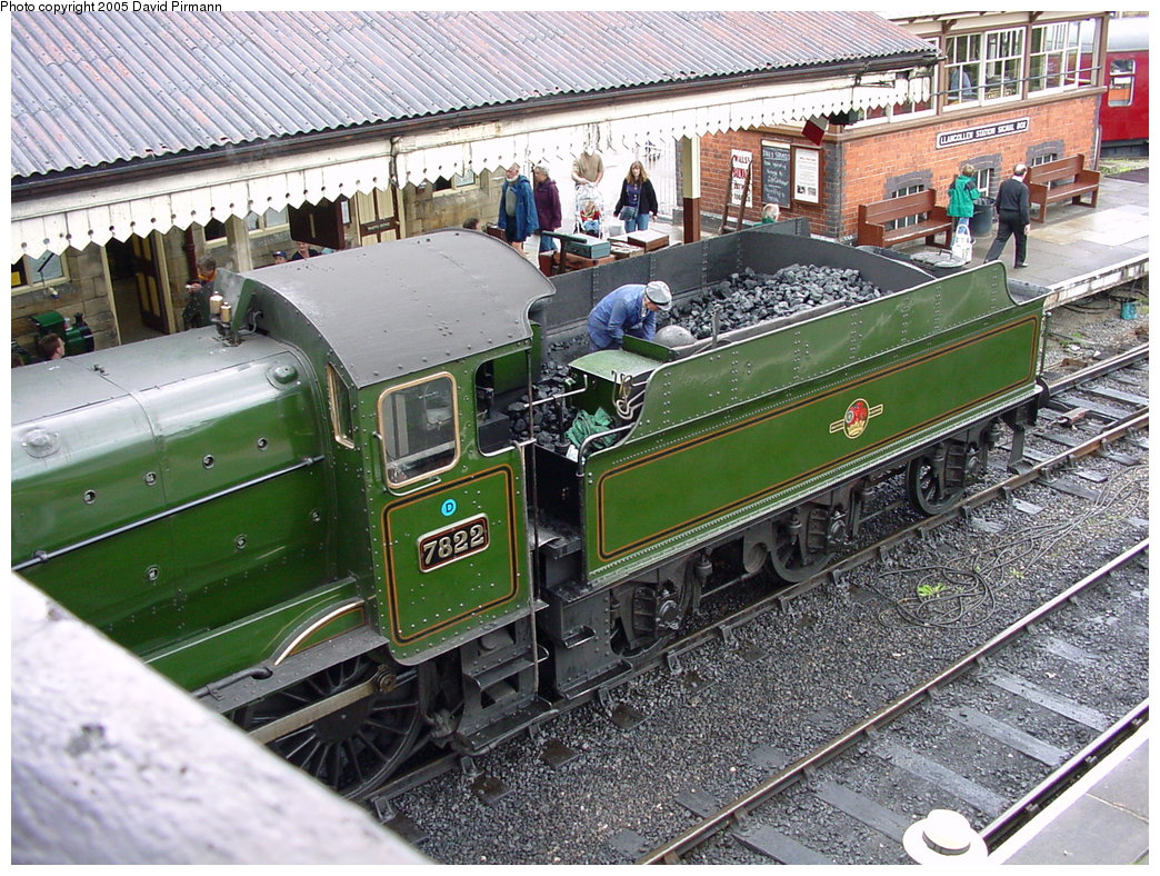 (279k, 1044x788)<br><b>Country:</b> United Kingdom<br><b>System:</b> Llangollen Railway <br><b>Location:</b> Llangollen<br><b>Car:</b> Locomotive 7822 <br><b>Photo by:</b> David Pirmann<br><b>Date:</b> 9/5/2000<br><b>Viewed (this week/total):</b> 1 / 1807