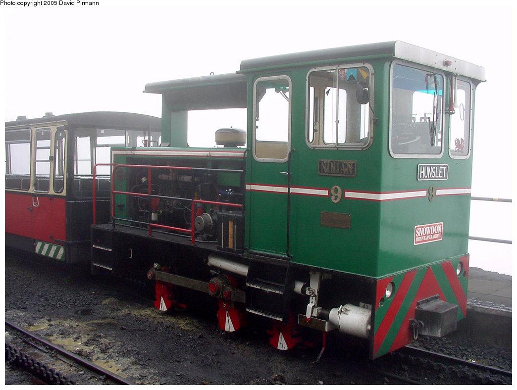 (178k, 1044x788)<br><b>Country:</b> United Kingdom<br><b>System:</b> Snowdon Mountain Railway <br><b>Photo by:</b> David Pirmann<br><b>Date:</b> 9/8/2000<br><b>Viewed (this week/total):</b> 3 / 2033