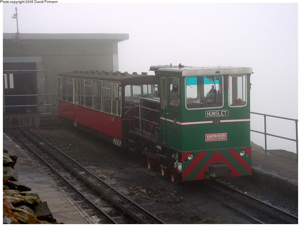 (178k, 1044x788)<br><b>Country:</b> United Kingdom<br><b>System:</b> Snowdon Mountain Railway <br><b>Photo by:</b> David Pirmann<br><b>Date:</b> 9/8/2000<br><b>Viewed (this week/total):</b> 0 / 1944