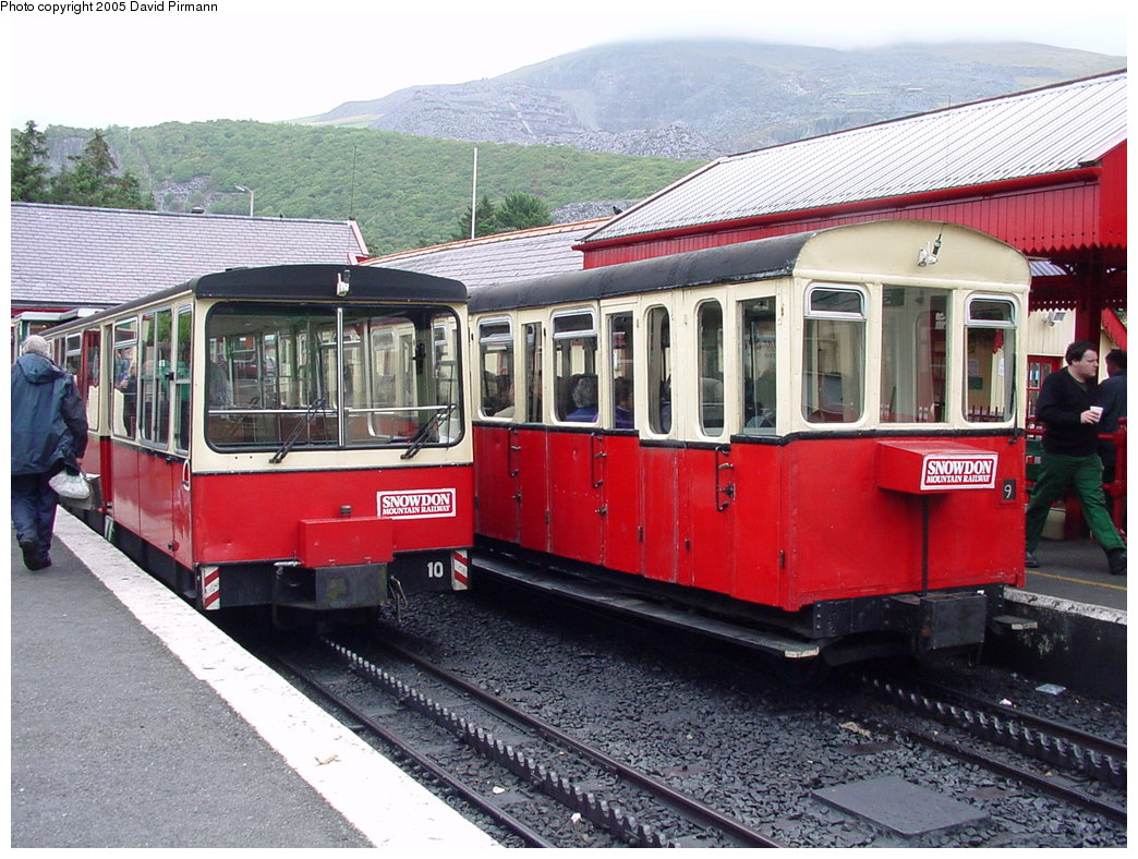 (221k, 1044x788)<br><b>Country:</b> United Kingdom<br><b>System:</b> Snowdon Mountain Railway <br><b>Photo by:</b> David Pirmann<br><b>Date:</b> 9/8/2000<br><b>Viewed (this week/total):</b> 1 / 1698