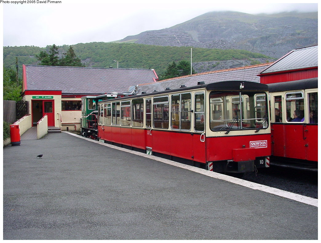 (211k, 1044x788)<br><b>Country:</b> United Kingdom<br><b>System:</b> Snowdon Mountain Railway <br><b>Photo by:</b> David Pirmann<br><b>Date:</b> 9/8/2000<br><b>Viewed (this week/total):</b> 2 / 1737