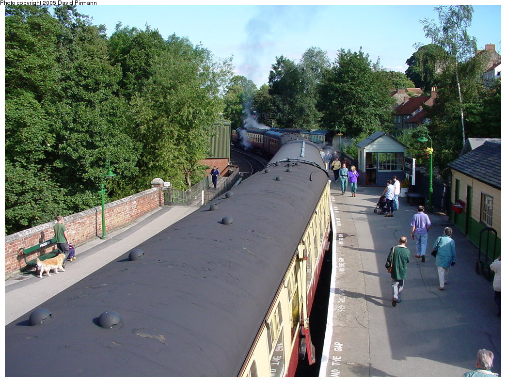 (244k, 1044x788)<br><b>Country:</b> United Kingdom<br><b>System:</b> North Yorkshire Moors Railway <br><b>Photo by:</b> David Pirmann<br><b>Date:</b> 9/4/2000<br><b>Viewed (this week/total):</b> 0 / 1523