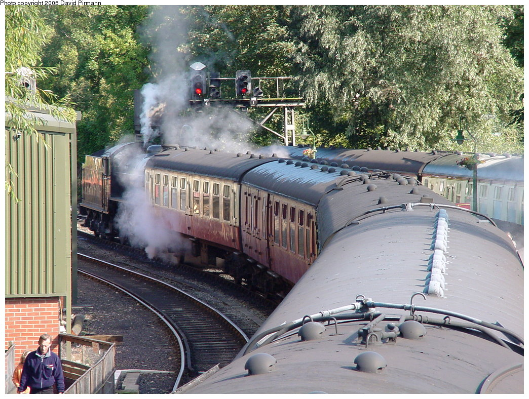 (273k, 1044x788)<br><b>Country:</b> United Kingdom<br><b>System:</b> North Yorkshire Moors Railway <br><b>Photo by:</b> David Pirmann<br><b>Date:</b> 9/4/2000<br><b>Viewed (this week/total):</b> 0 / 1593