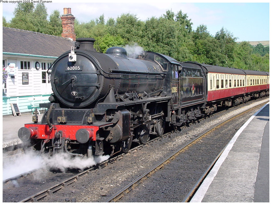 (270k, 1044x788)<br><b>Country:</b> United Kingdom<br><b>System:</b> North Yorkshire Moors Railway <br><b>Photo by:</b> David Pirmann<br><b>Date:</b> 9/4/2000<br><b>Viewed (this week/total):</b> 1 / 2094