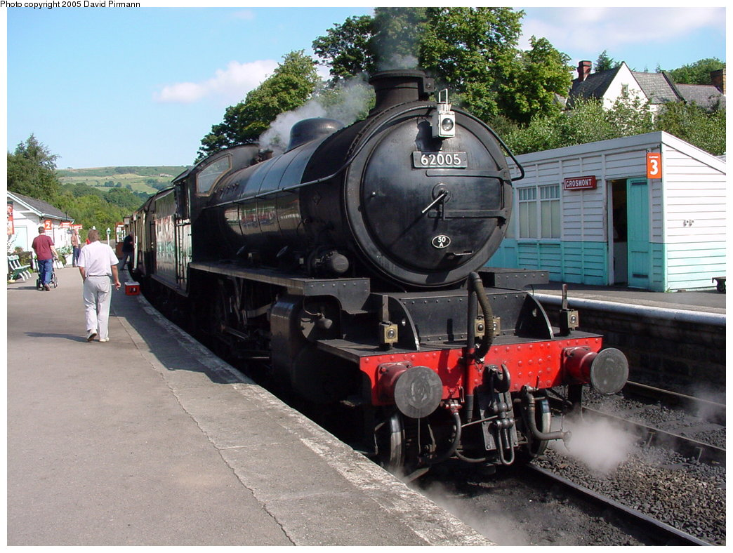 (209k, 1044x788)<br><b>Country:</b> United Kingdom<br><b>System:</b> North Yorkshire Moors Railway <br><b>Photo by:</b> David Pirmann<br><b>Date:</b> 9/4/2000<br><b>Viewed (this week/total):</b> 1 / 1903
