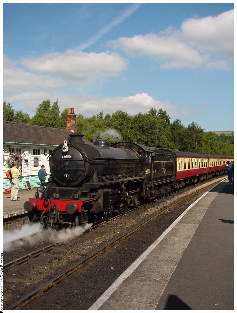 (178k, 788x1044)<br><b>Country:</b> United Kingdom<br><b>System:</b> North Yorkshire Moors Railway <br><b>Photo by:</b> David Pirmann<br><b>Date:</b> 9/4/2000<br><b>Viewed (this week/total):</b> 3 / 1541