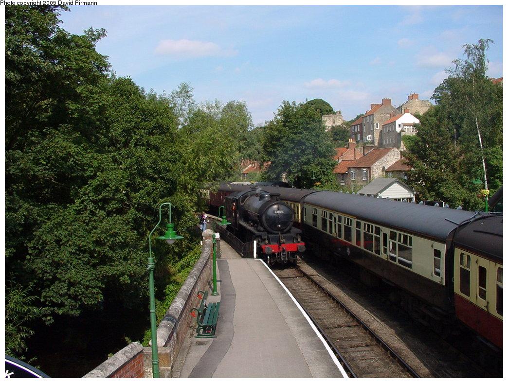 (225k, 1044x788)<br><b>Country:</b> United Kingdom<br><b>System:</b> North Yorkshire Moors Railway <br><b>Photo by:</b> David Pirmann<br><b>Date:</b> 9/4/2000<br><b>Viewed (this week/total):</b> 1 / 1667