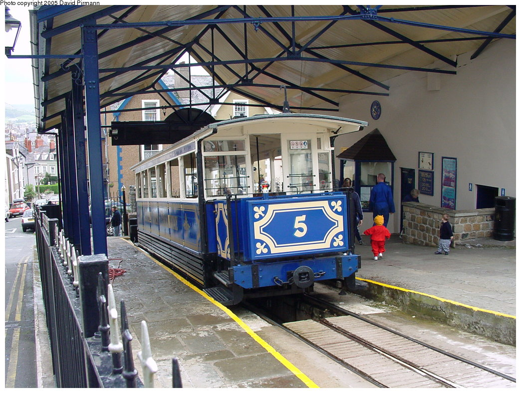 (239k, 1044x788)<br><b>Country:</b> United Kingdom<br><b>System:</b> Great Orme Tramway <br><b>Photo by:</b> David Pirmann<br><b>Date:</b> 9/7/2000<br><b>Viewed (this week/total):</b> 1 / 1977