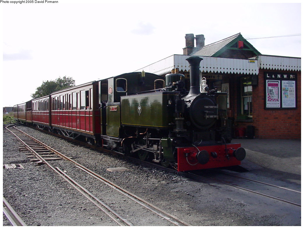 (188k, 1044x788)<br><b>Country:</b> United Kingdom<br><b>System:</b> Talyllyn Railway <br><b>Photo by:</b> David Pirmann<br><b>Date:</b> 9/6/2000<br><b>Viewed (this week/total):</b> 1 / 1837