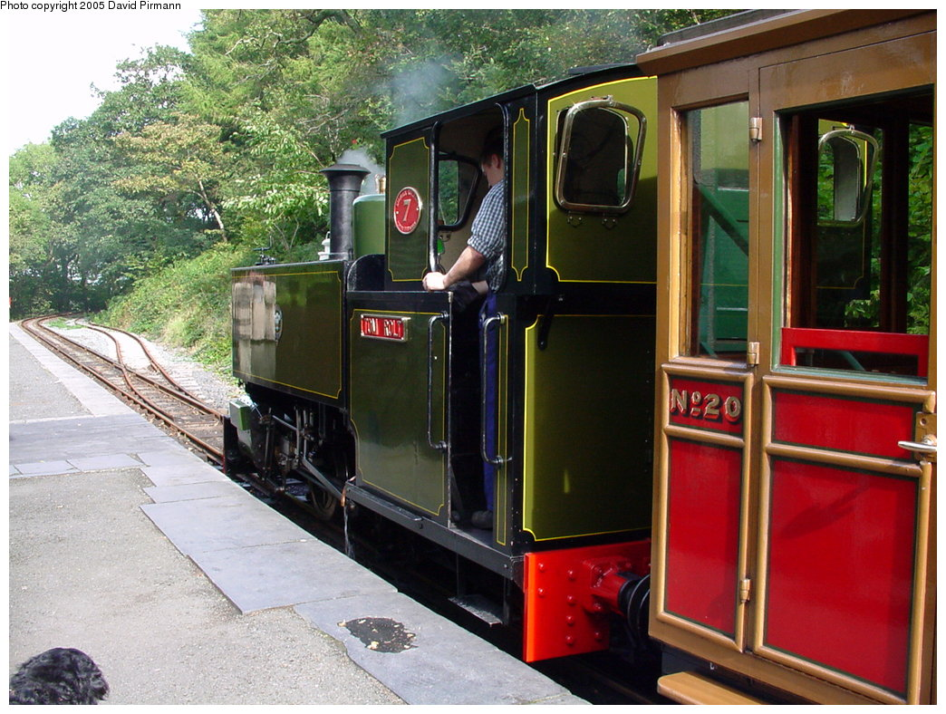 (222k, 1044x788)<br><b>Country:</b> United Kingdom<br><b>System:</b> Talyllyn Railway <br><b>Photo by:</b> David Pirmann<br><b>Date:</b> 9/6/2000<br><b>Viewed (this week/total):</b> 0 / 1690