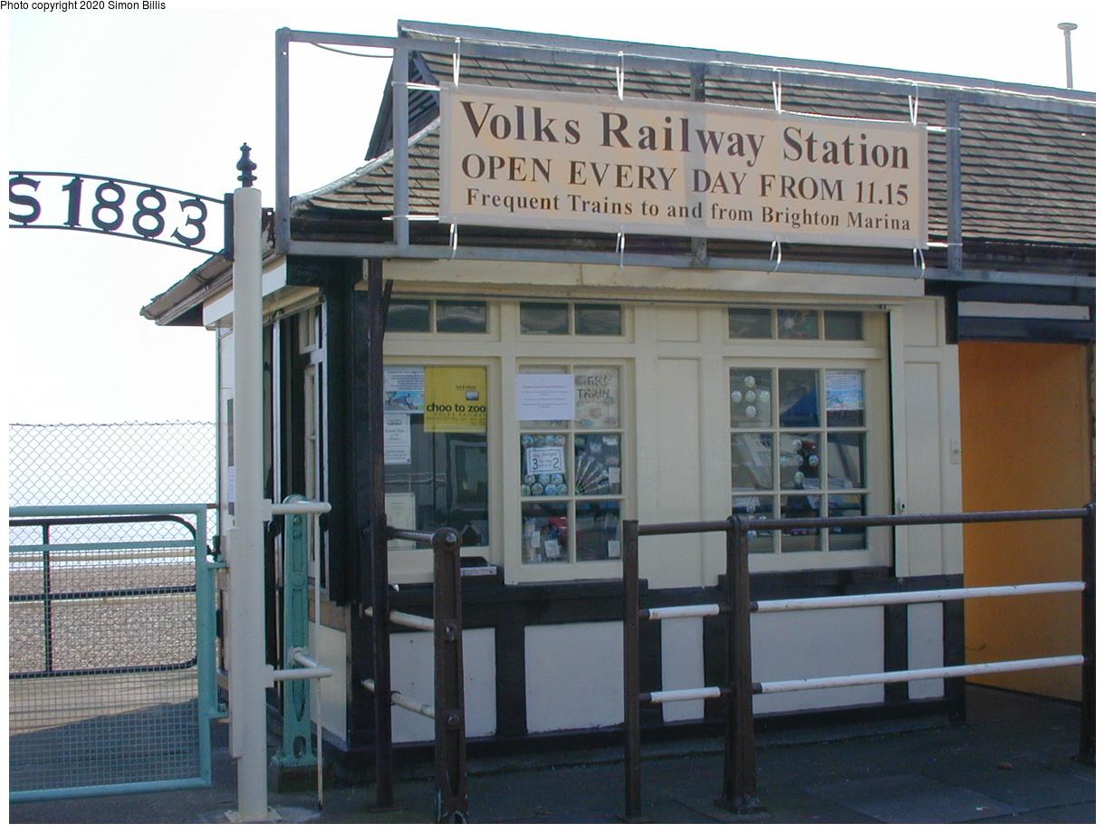 (68k, 800x600)<br><b>Country:</b> United Kingdom<br><b>City:</b> Brighton, Sussex<br><b>System:</b> Volks Electric Railway <br><b>Photo by:</b> Simon Billis<br><b>Date:</b> 2001<br><b>Viewed (this week/total):</b> 0 / 1700