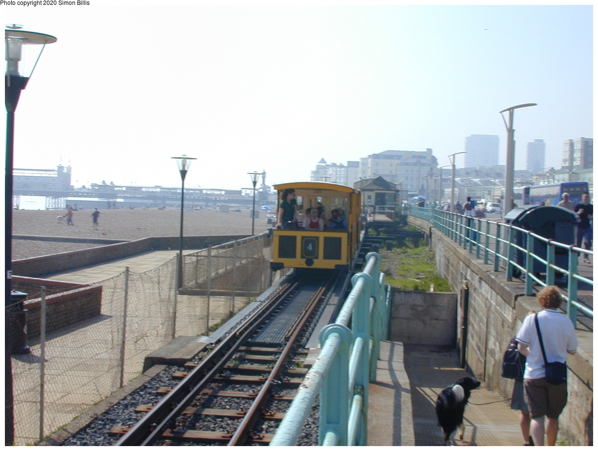 (62k, 800x600)<br><b>Country:</b> United Kingdom<br><b>City:</b> Brighton, Sussex<br><b>System:</b> Volks Electric Railway <br><b>Photo by:</b> Simon Billis<br><b>Date:</b> 2001<br><b>Viewed (this week/total):</b> 0 / 1712