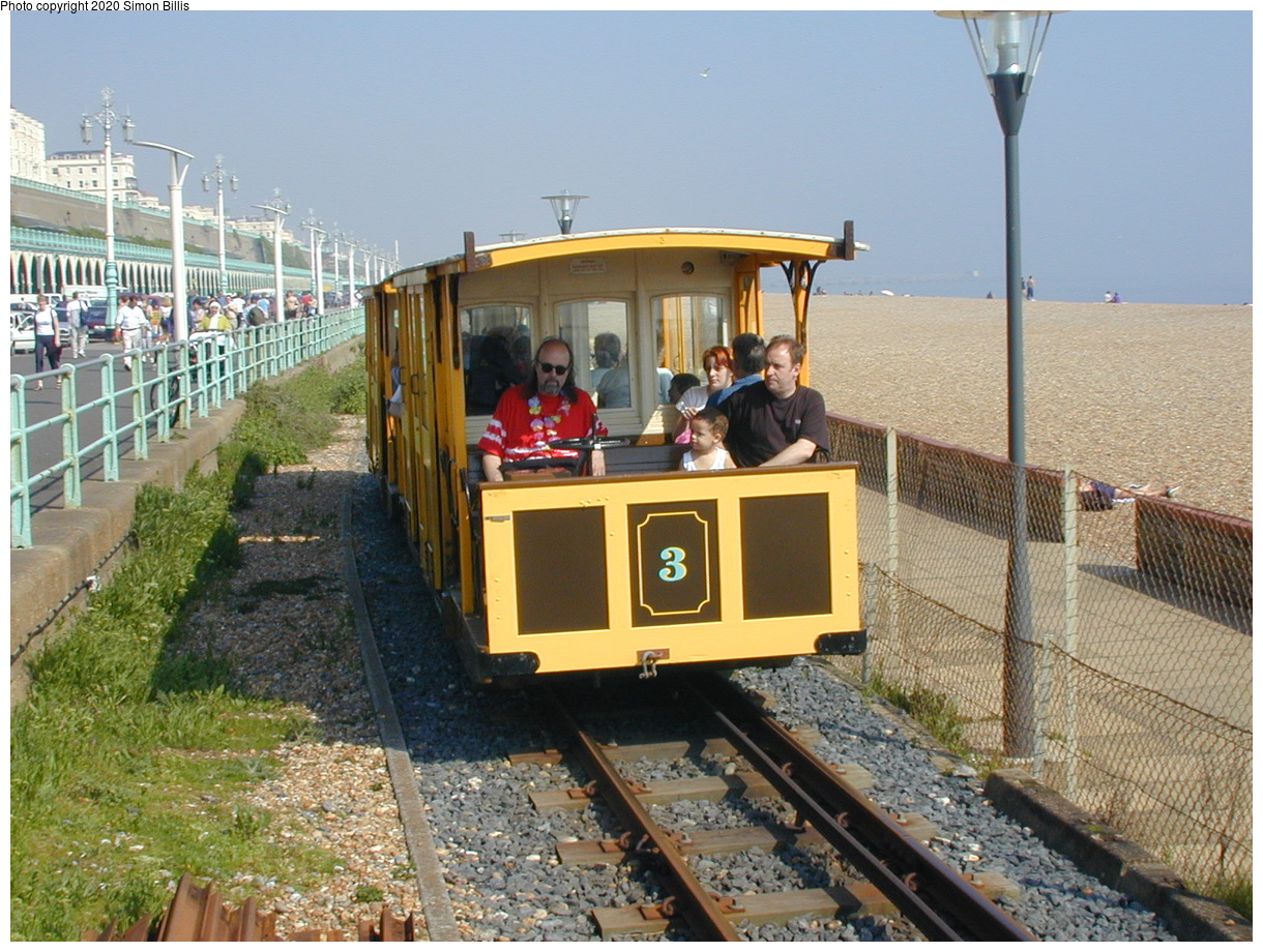 (88k, 800x600)<br><b>Country:</b> United Kingdom<br><b>City:</b> Brighton, Sussex<br><b>System:</b> Volks Electric Railway <br><b>Photo by:</b> Simon Billis<br><b>Date:</b> 2001<br><b>Viewed (this week/total):</b> 2 / 1850