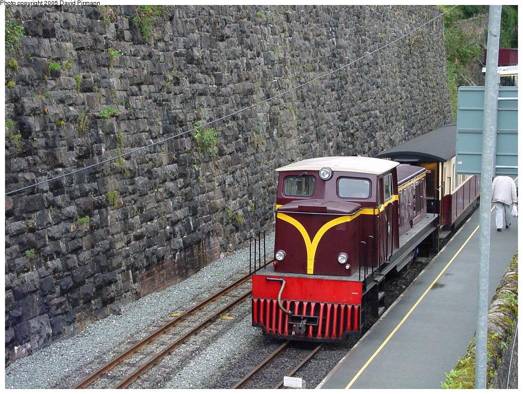 (295k, 1044x788)<br><b>Country:</b> United Kingdom<br><b>System:</b> Welsh Highland Railway <br><b>Photo by:</b> David Pirmann<br><b>Date:</b> 9/7/2000<br><b>Viewed (this week/total):</b> 0 / 1749