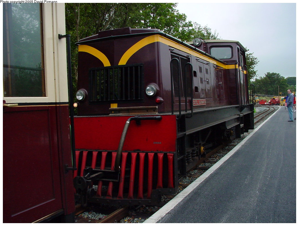 (177k, 1044x788)<br><b>Country:</b> United Kingdom<br><b>System:</b> Welsh Highland Railway <br><b>Photo by:</b> David Pirmann<br><b>Date:</b> 9/7/2000<br><b>Viewed (this week/total):</b> 5 / 1456