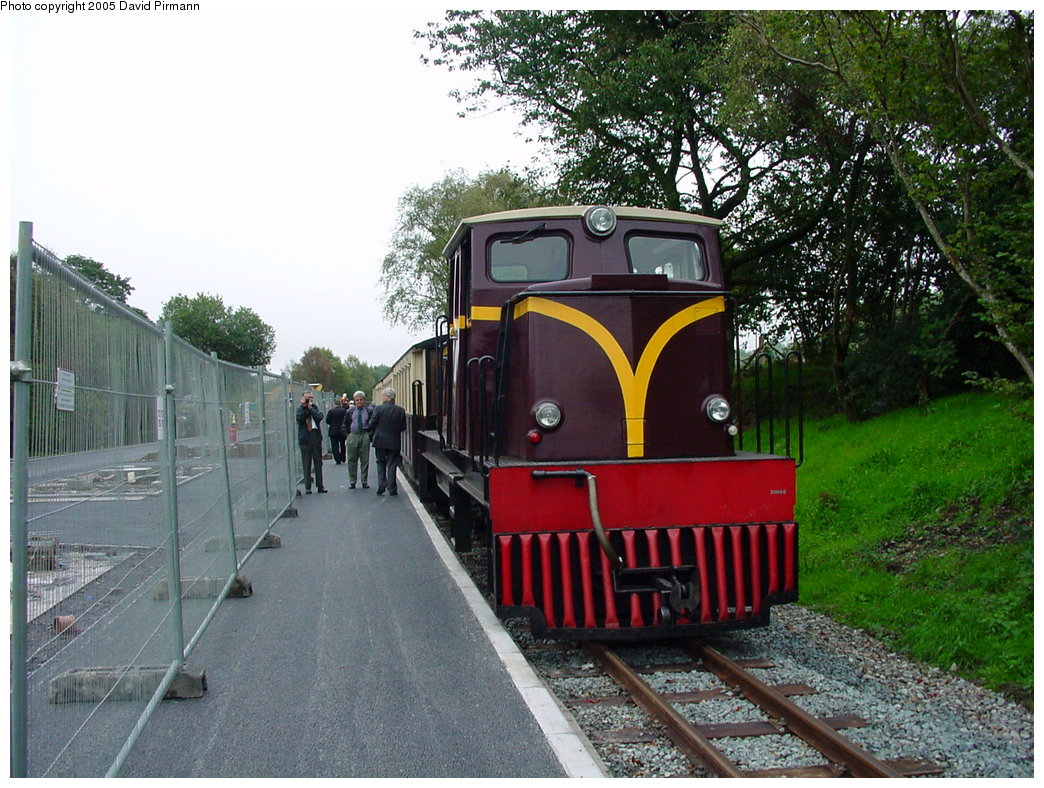 (229k, 1044x788)<br><b>Country:</b> United Kingdom<br><b>System:</b> Welsh Highland Railway <br><b>Photo by:</b> David Pirmann<br><b>Date:</b> 9/7/2000<br><b>Viewed (this week/total):</b> 0 / 1416