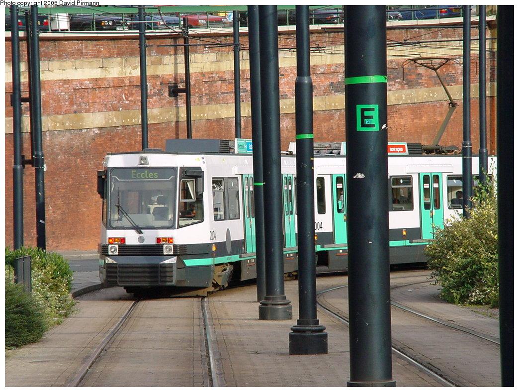 (230k, 1044x788)<br><b>Country:</b> United Kingdom<br><b>City:</b> Manchester<br><b>System:</b> Metrolink <br><b>Line:</b> City Center-Shared Stations<br><b>Location:</b> PRW. nr Shepley St. <br><b>Car:</b> Manchester T68a (Ansaldo-Breda, 1999)  2004 <br><b>Photo by:</b> David Pirmann<br><b>Date:</b> 9/8/2000<br><b>Viewed (this week/total):</b> 0 / 2109