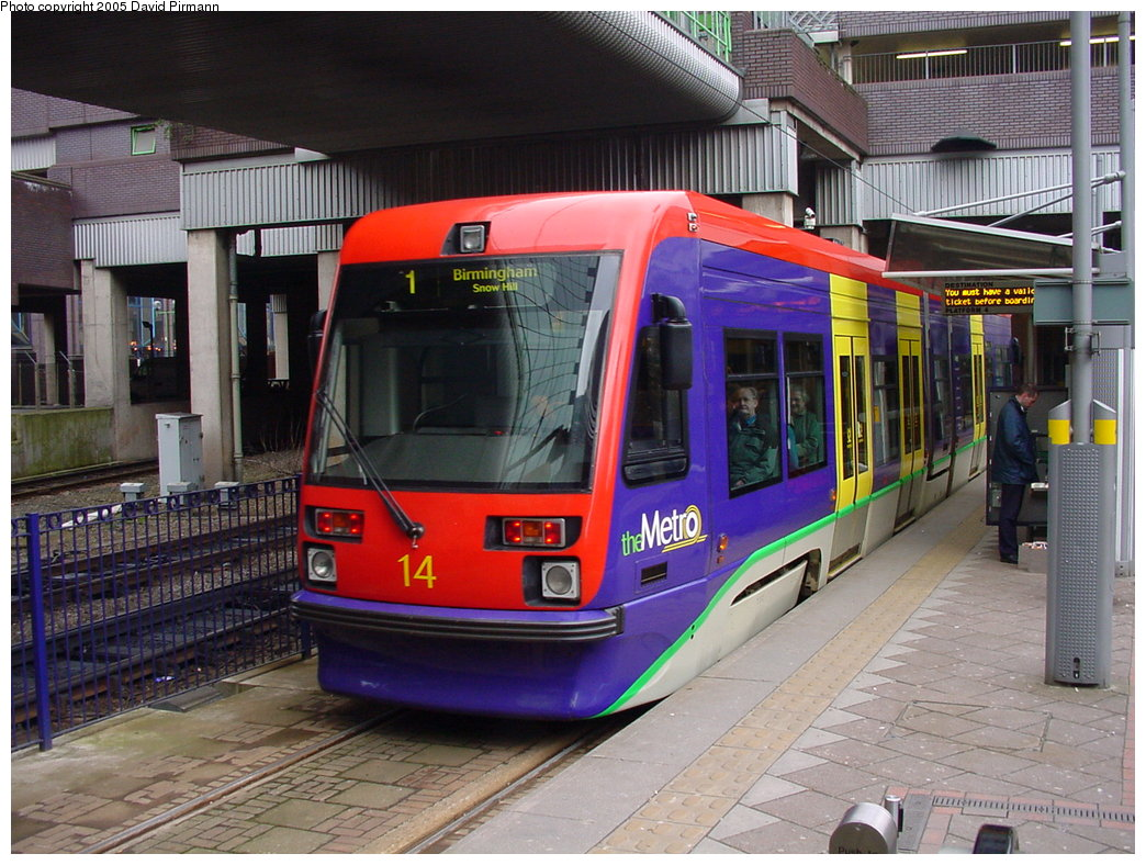 (209k, 1044x788)<br><b>Country:</b> United Kingdom<br><b>City:</b> Birmingham <br><b>System:</b> Midland Metro<br><b>Location:</b> Birmingham Snow Hill <br><b>Car:</b>  14 <br><b>Photo by:</b> David Pirmann<br><b>Date:</b> 3/29/2001<br><b>Viewed (this week/total):</b> 0 / 2122
