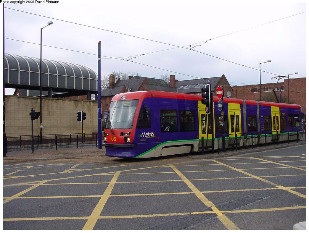 (168k, 1044x788)<br><b>Country:</b> United Kingdom<br><b>City:</b> Birmingham <br><b>System:</b> Midland Metro<br><b>Location:</b> Wolverhampton St. George's <br><b>Car:</b>  06 <br><b>Photo by:</b> David Pirmann<br><b>Date:</b> 3/29/2001<br><b>Viewed (this week/total):</b> 0 / 1568