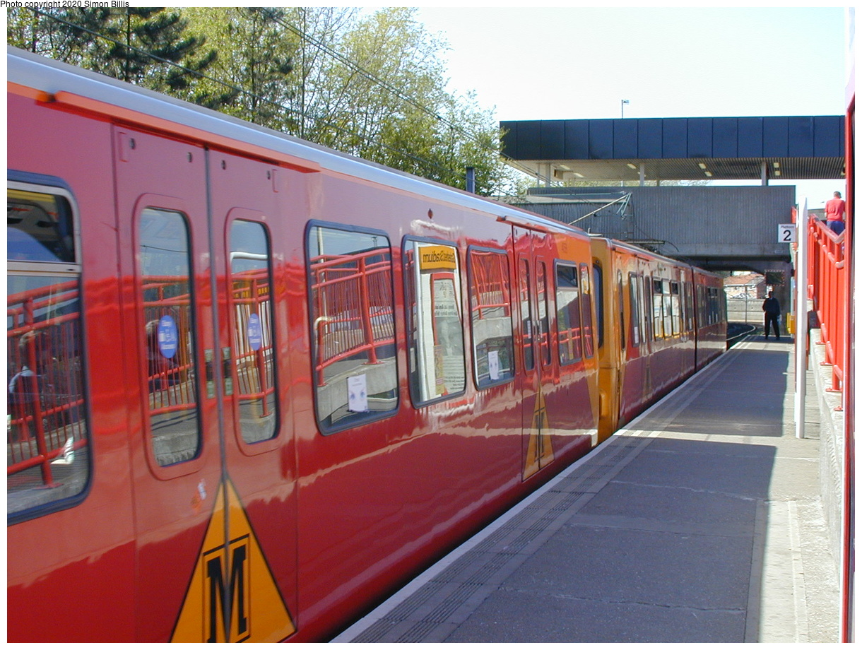 (86k, 820x620)<br><b>Country:</b> United Kingdom<br><b>City:</b> Newcastle<br><b>System:</b> Tyne & Wear Metro<br><b>Location:</b> Gateshead Stadium<br><b>Photo by:</b> Simon Billis<br><b>Date:</b> 2001<br><b>Viewed (this week/total):</b> 1 / 2506