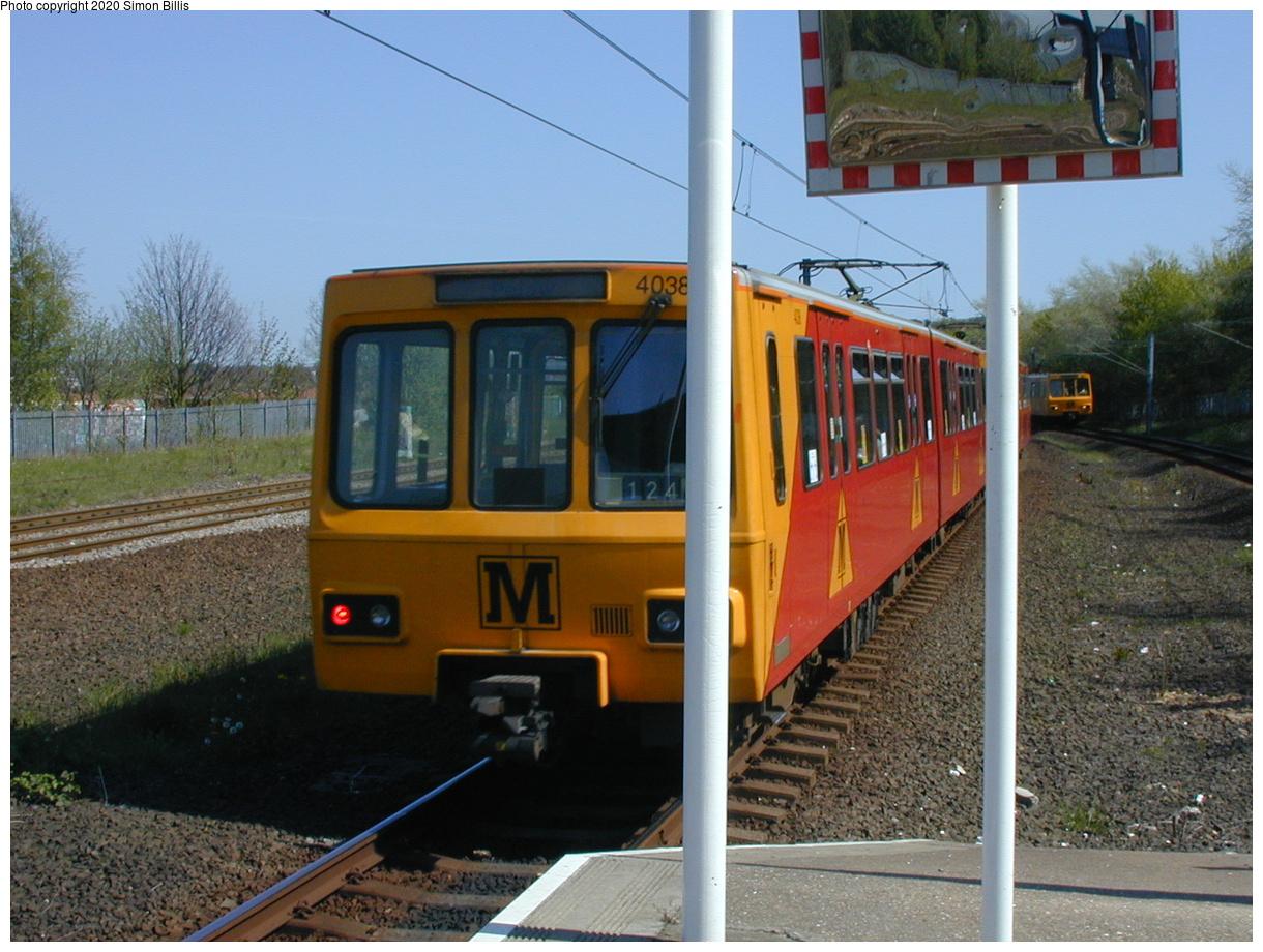 (81k, 820x620)<br><b>Country:</b> United Kingdom<br><b>City:</b> Newcastle<br><b>System:</b> Tyne & Wear Metro<br><b>Location:</b> Gateshead Stadium<br><b>Photo by:</b> Simon Billis<br><b>Date:</b> 2001<br><b>Viewed (this week/total):</b> 1 / 2558