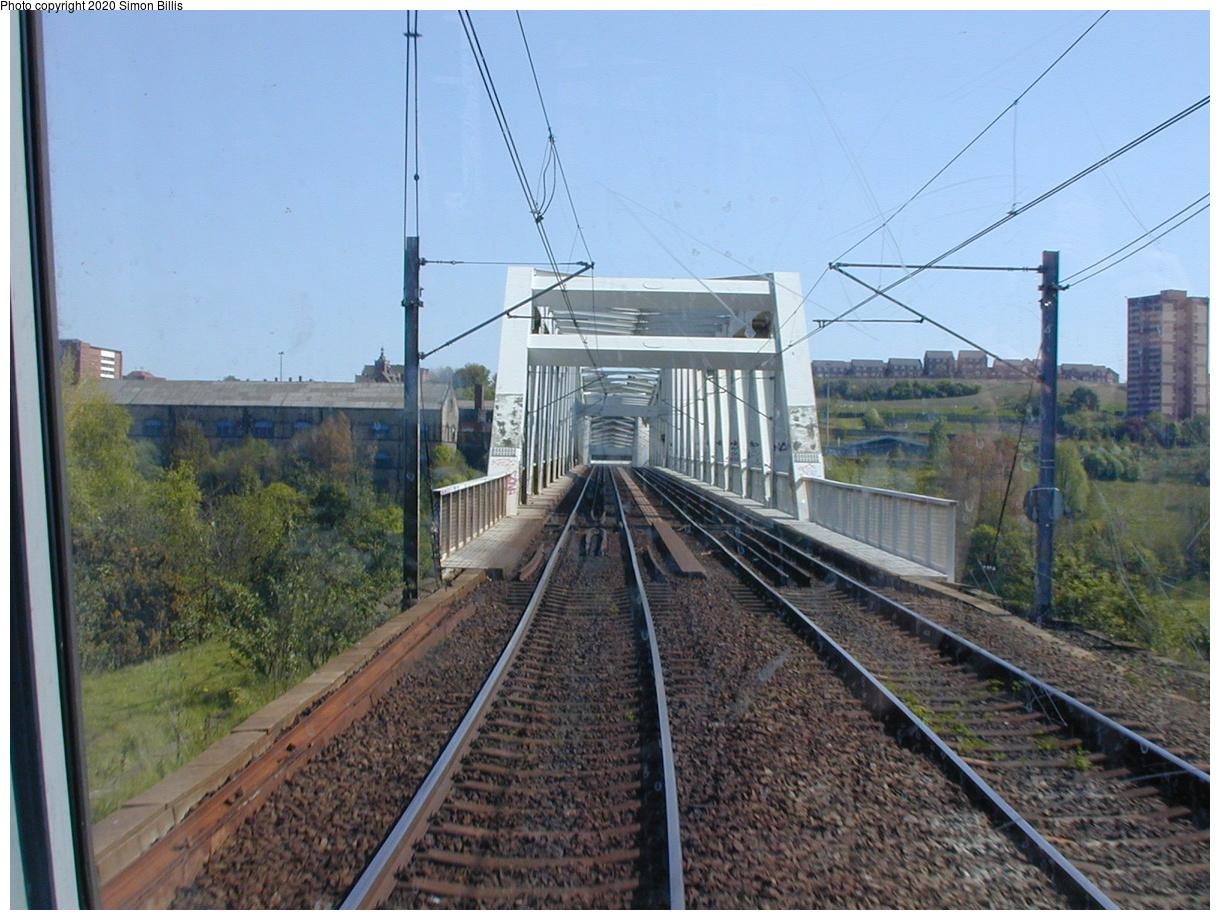 (83k, 820x620)<br><b>Country:</b> United Kingdom<br><b>City:</b> Newcastle<br><b>System:</b> Tyne & Wear Metro<br><b>Photo by:</b> Simon Billis<br><b>Date:</b> 2001<br><b>Viewed (this week/total):</b> 0 / 2469