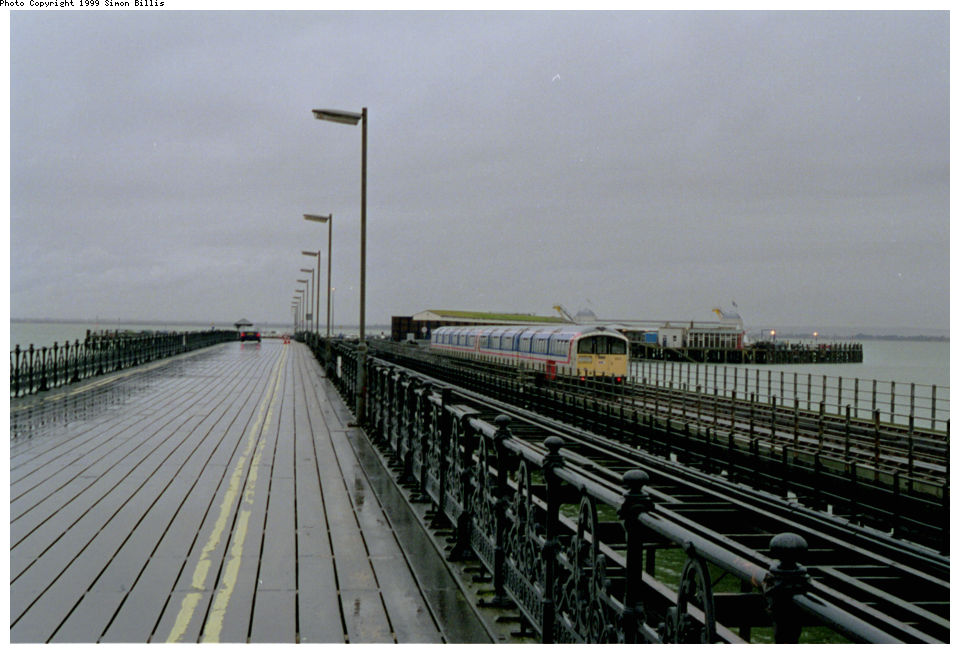 (106k, 960x654)<br><b>Country:</b> United Kingdom<br><b>City:</b> Isle of Wight<br><b>System:</b> Island Line<br><b>Location:</b> Ryde Pier Head <br><b>Route:</b> Isle of Wight<br><b>Photo by:</b> Simon Billis<br><b>Date:</b> 1/2000<br><b>Viewed (this week/total):</b> 2 / 2971