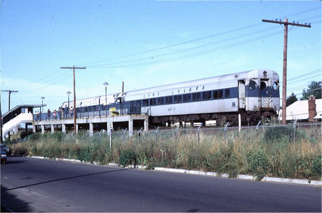 (141k, 1024x677)<br><b>Country:</b> United States<br><b>City:</b> New York<br><b>System:</b> New York City Transit<br><b>Line:</b> SIRT<br><b>Location:</b> Jefferson Avenue <br><b>Car:</b> LIRR MP72  2513 <br><b>Photo by:</b> Doug Grotjahn<br><b>Collection of:</b> Joe Testagrose<br><b>Date:</b> 8/21/1972<br><b>Viewed (this week/total):</b> 1 / 9857