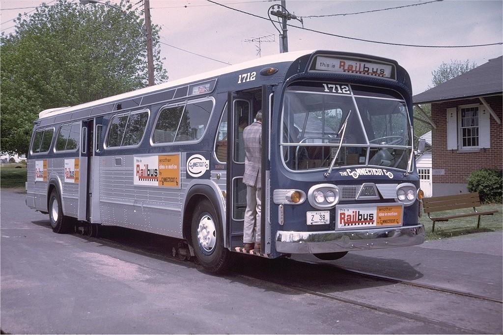 (248k, 1024x683)<br><b>Country:</b> United States<br><b>City:</b> East Haven/Branford, Ct.<br><b>System:</b> Shore Line Trolley Museum <br><b>Car:</b>  1712 <br><b>Photo by:</b> Doug Grotjahn<br><b>Collection of:</b> Joe Testagrose<br><b>Date:</b> 5/17/1975<br><b>Viewed (this week/total):</b> 2 / 5145